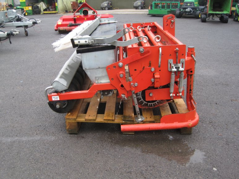 Wiedenmann Terra-Float with Seeder