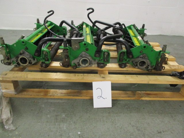 John Deere 2500B cutting units