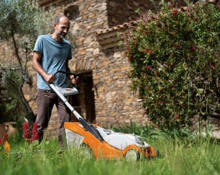 Battery & Electric Lawn Mowers