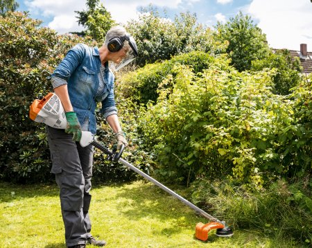 Petrol Strimmers, Brushcutters & Clearing Saws