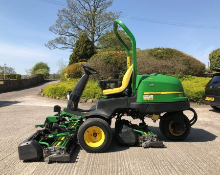 John Deere 2500B Greens Mower