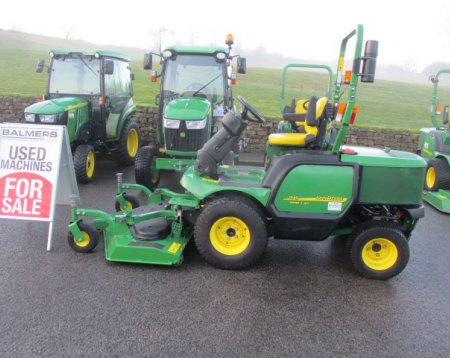 John Deere 1545 out front commercial mower