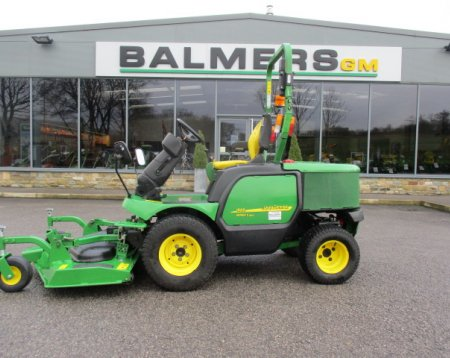 John Deere 1565 out front commercial mower