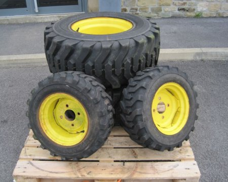 John Deere Wheels and Tyres (3 Series)